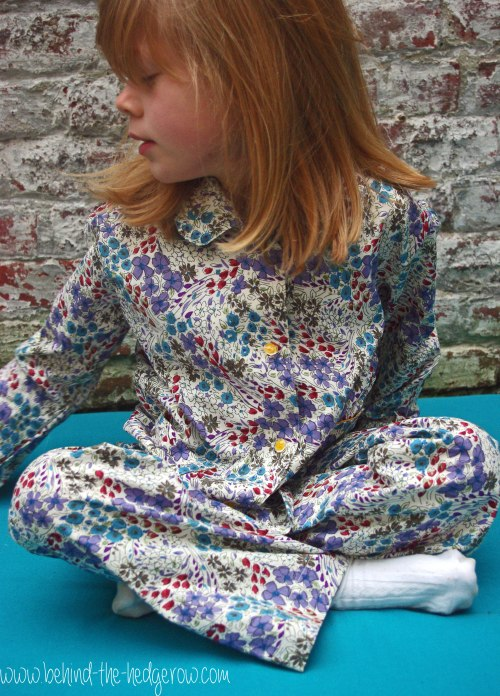 Burda 9747 PJs // Behind the Hedgerow